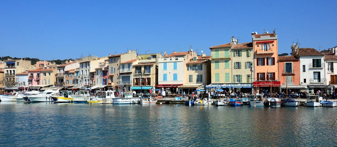 H tel pas cher cassis chambres avec wi fi for Reserver chambre hotel pas cher